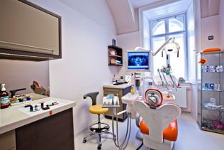 DentAll 4 One, Sopron, Behandlungsraum